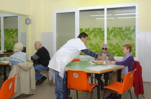 Barcelona inaugurará tres nuevos comedores sociales antes del 2013