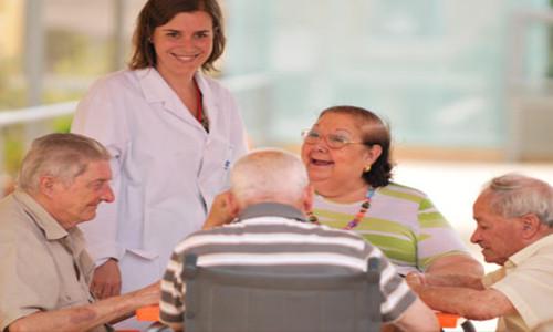 Abuelos en residencias geriátricas